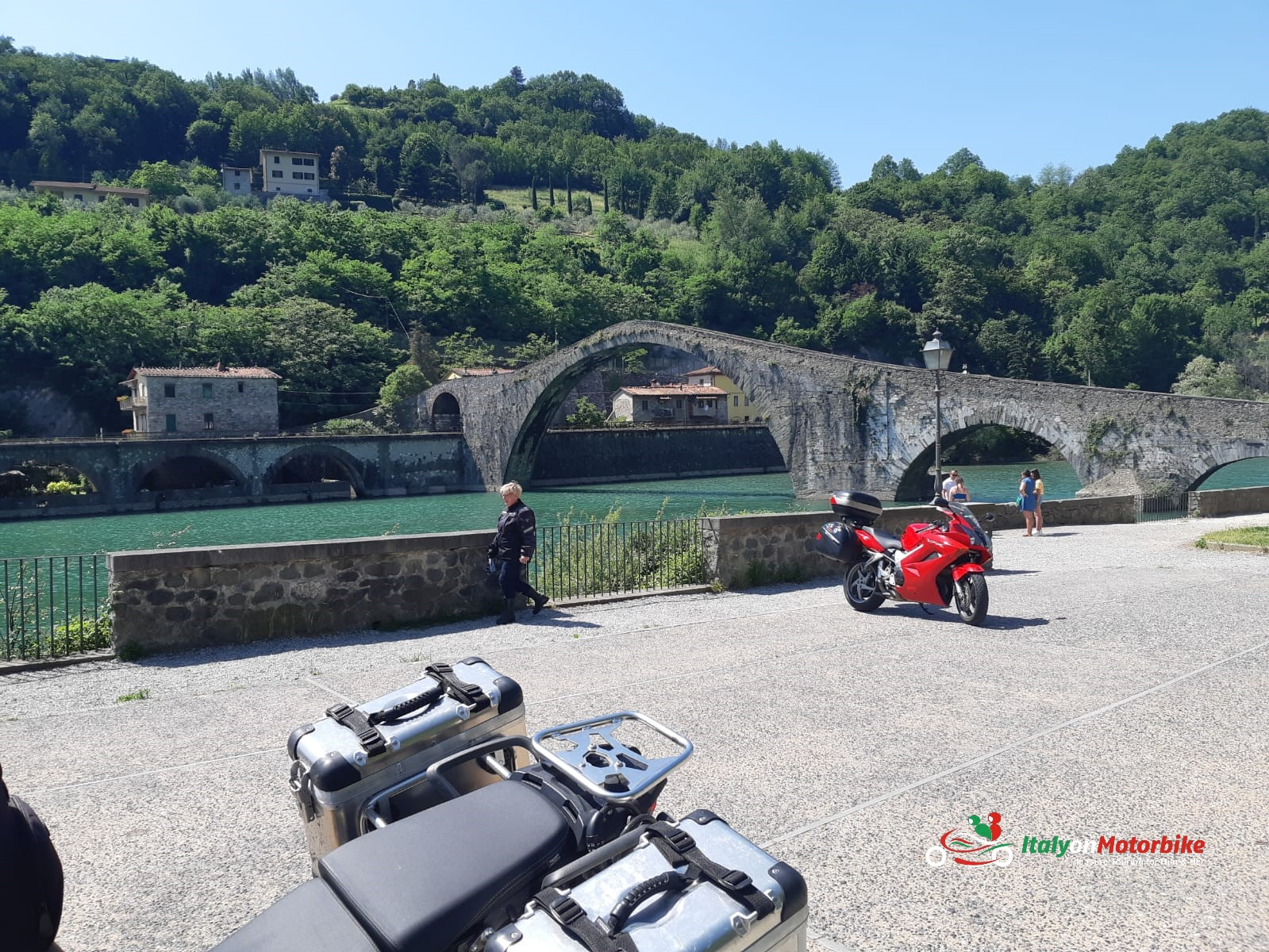 A bridge on the way to the Passo del Abetone on one of our motorcycle tour in Italy