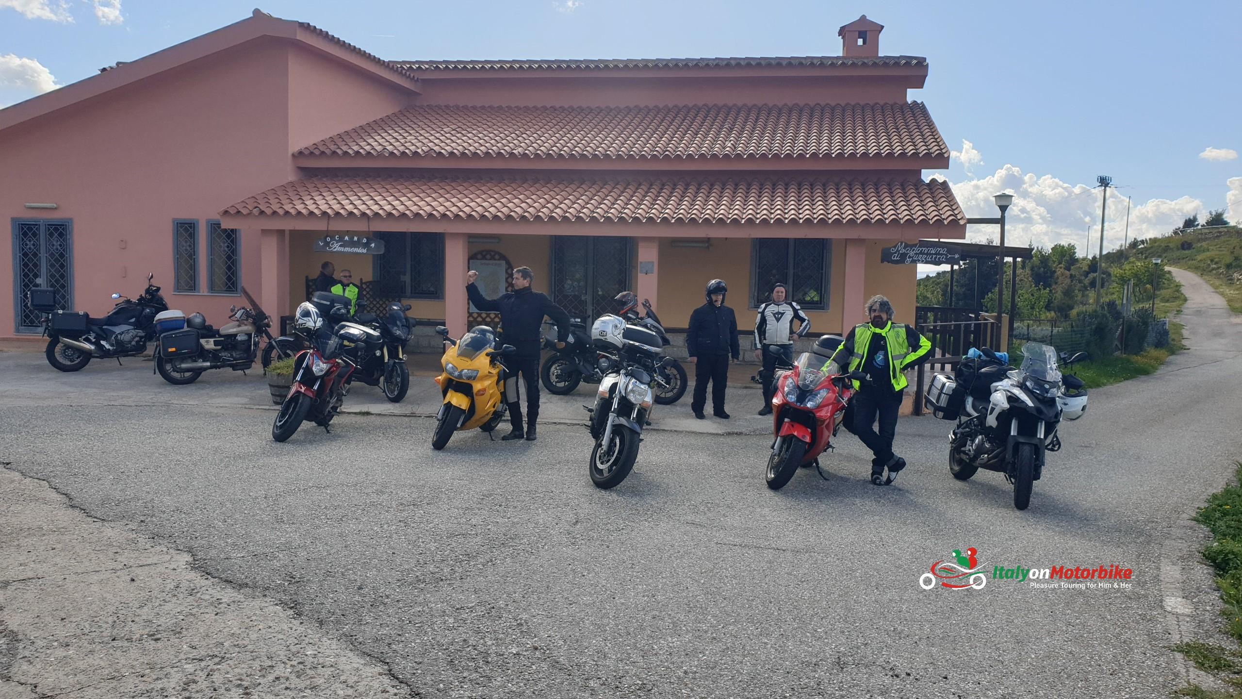 Tour guidé en moto en Italie avec un guide du coin