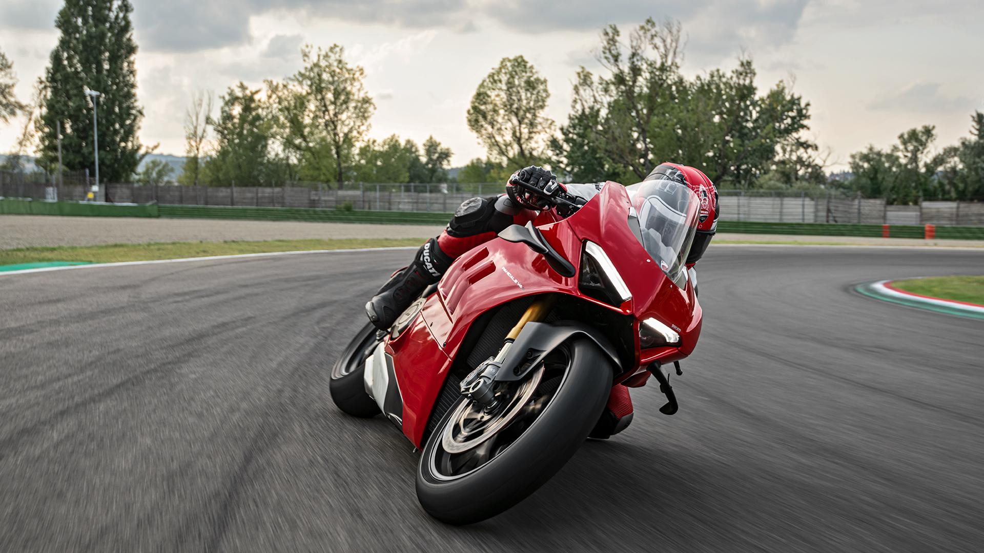 La Ducati Panigale V4 disponible comme location de moto