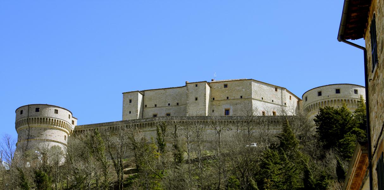 Rocca-di-San-Leo-oriz