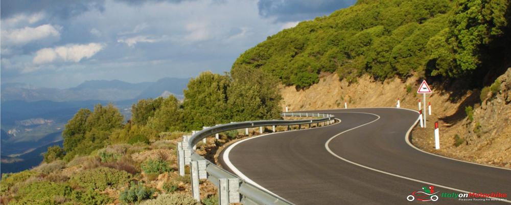 Tour in Sardegna miglior giro su una moto spiagge della Sardegna Alghero Roadtrip in Sardegna